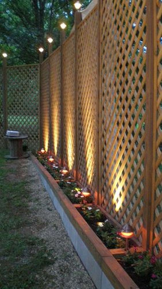 Fence Lighting: Elegant Lattice