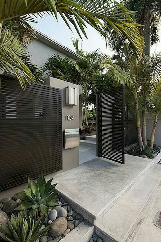 Front Yard Fence: Modern Front Look