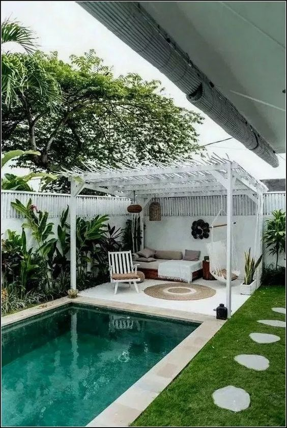 Simple Swimming Pool Ideas: Relaxing Spot