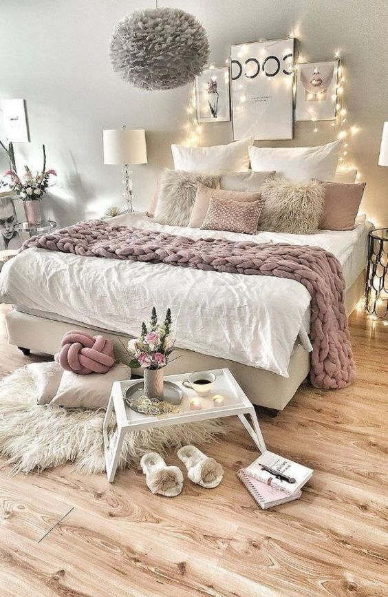 Teen Girl Bedroom Ideas: Neutral and Dreamy