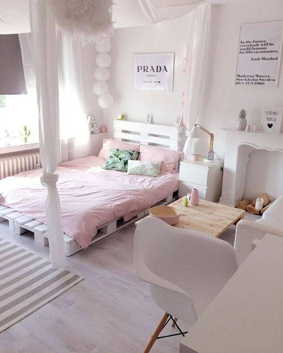 Teen Girl Bedroom Ideas: Cozy Low to Ground