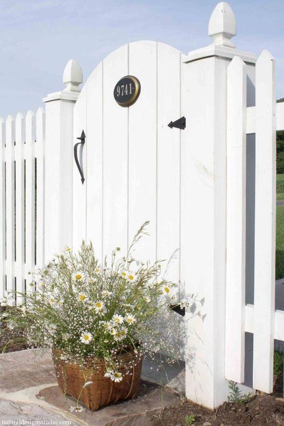white fence 18