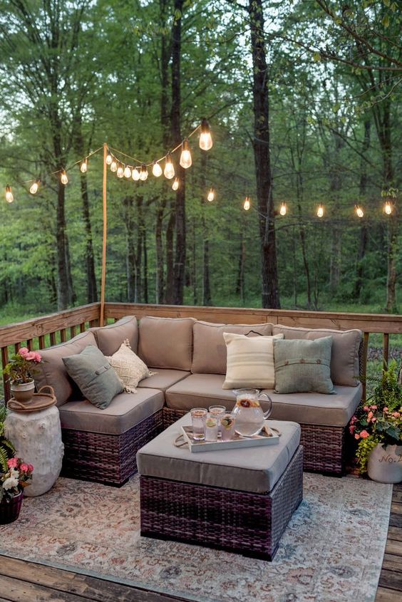 Patio Seating Ideas: Earthy Rattan Sofa