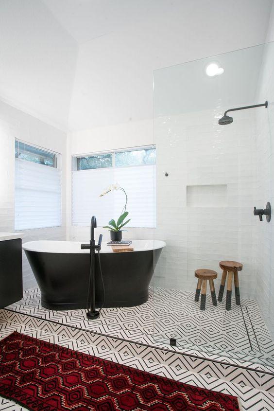 Bathroom Tub Ideas: Simple Soaking Tub