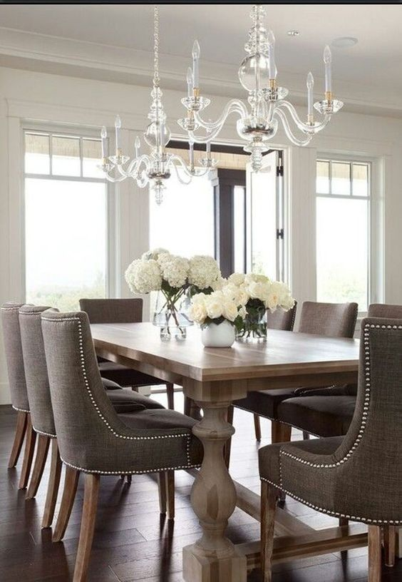 Dining Room Chandelier Ideas: Classic Crystal Chandelier
