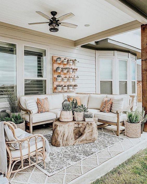 Farmhouse Backyard Ideas: Calming and Relaxing