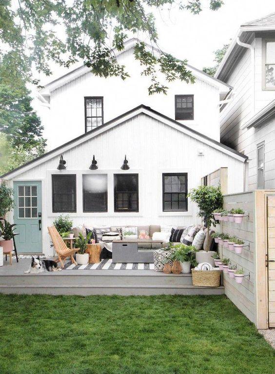 farmhouse backyard ideas 14