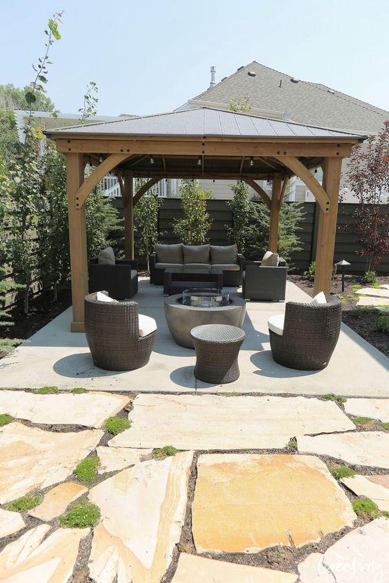 farmhouse backyard ideas 15