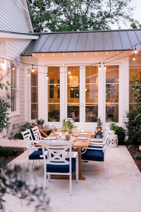farmhouse backyard ideas 16