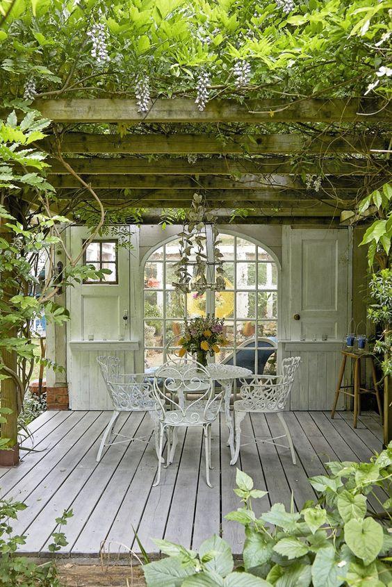 farmhouse backyard ideas 6