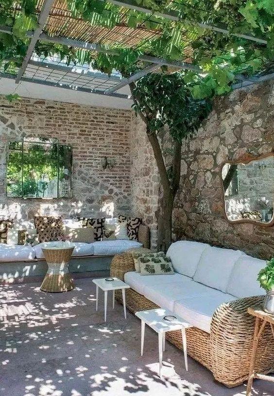 farmhouse backyard ideas 7