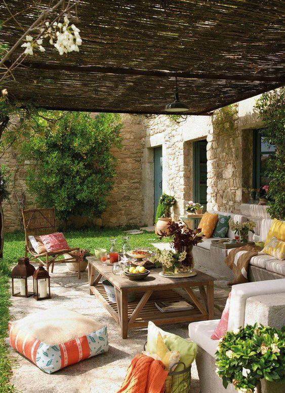 farmhouse backyard ideas 9