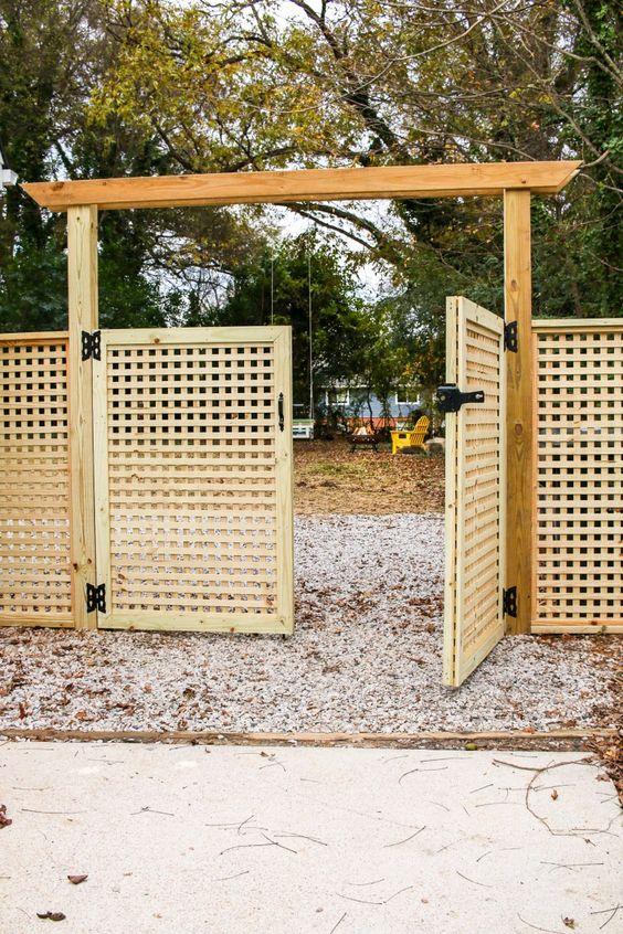 Lattice Fence: Simple Lattice Fence