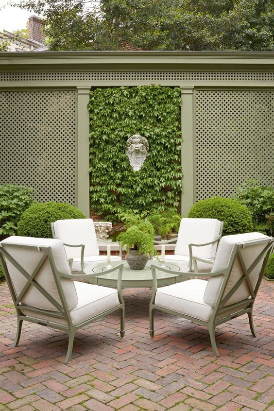 Privacy Fence: Stunning Green Fence
