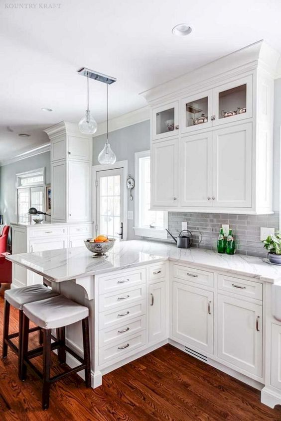 Kitchen Cabinets Ideas: Chic White Cabinets