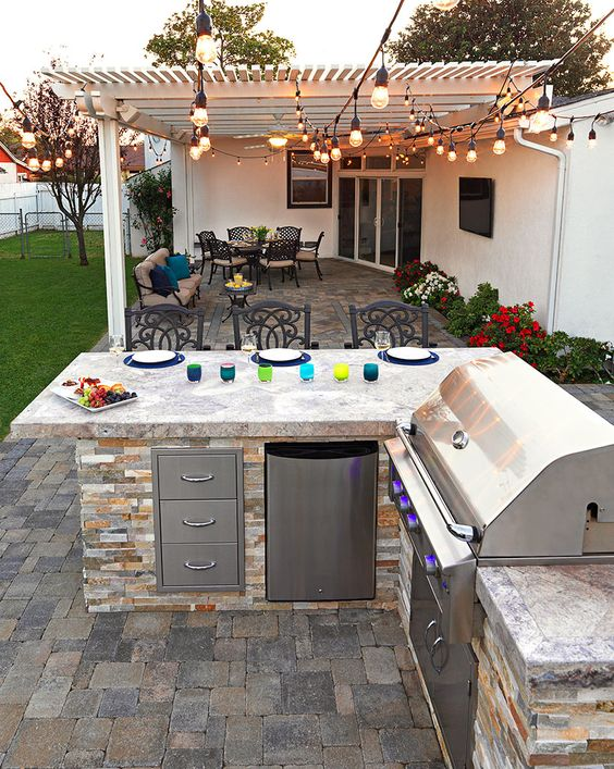 Backyard Grill Ideas: Simple Earthy Grill