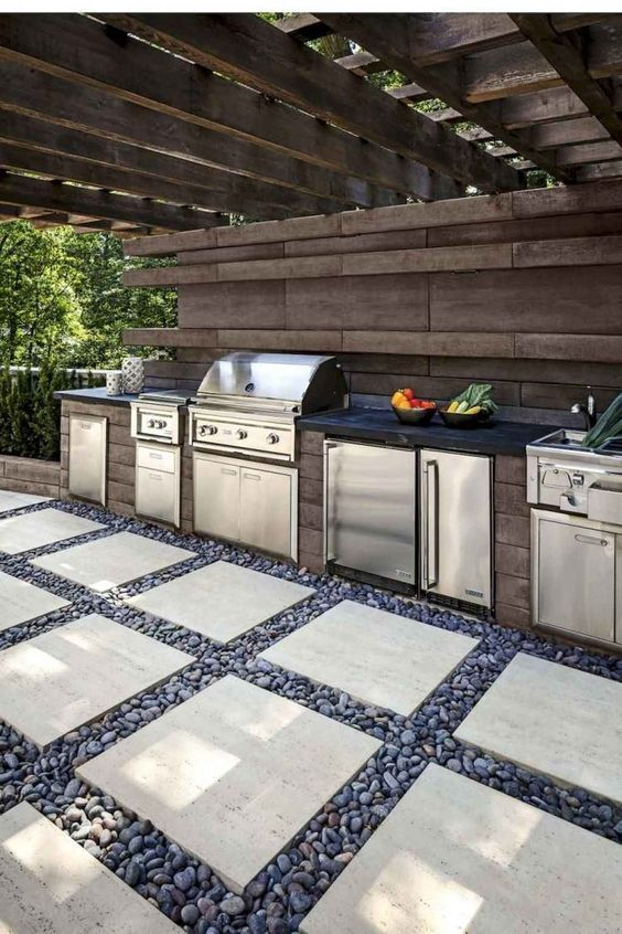 Backyard Grill Ideas: Stunning Natural Look