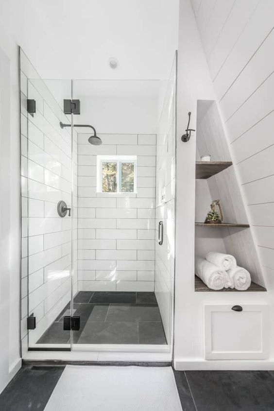 Bathroom Inspiration Ideas: Trendy Monochrome Tiles