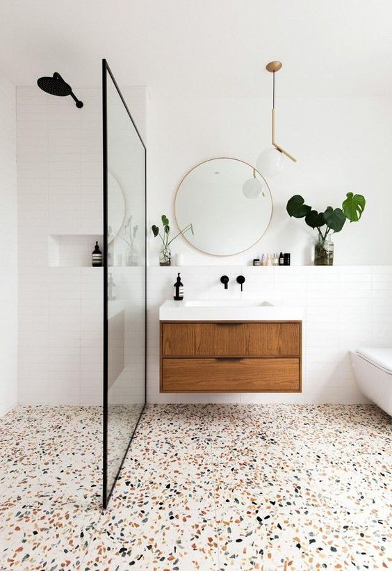 Bathroom Inspiration Ideas: Eye-Catching Floor Fixture