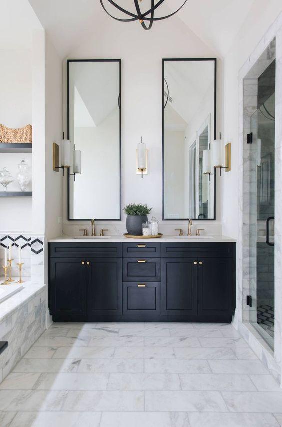 Bathroom Vanity Ideas: Chic Black Vanity