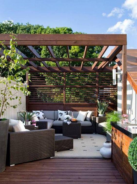 horizontal fence 9