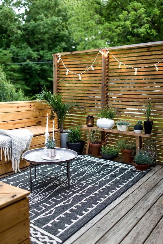 Backyard Patio Ideas: Chic Rustic Concept