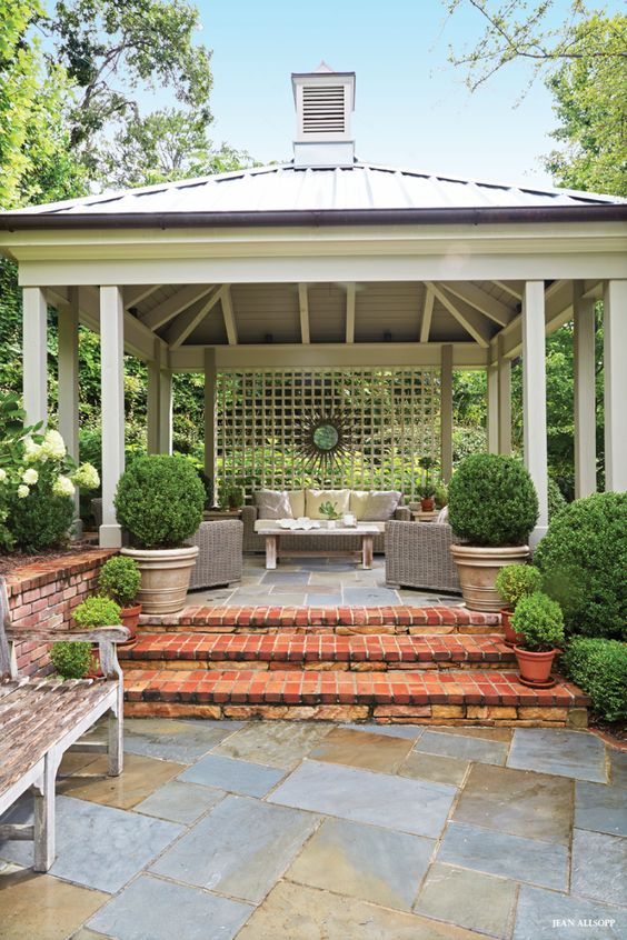 Backyard Retreat Ideas: Cozy Backyard Porch