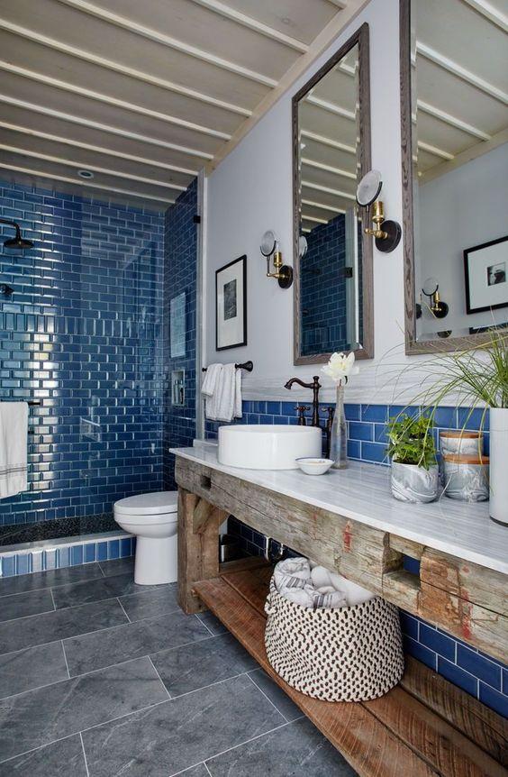 Bathroom Tile Ideas: Airy Coastal Atmosphere