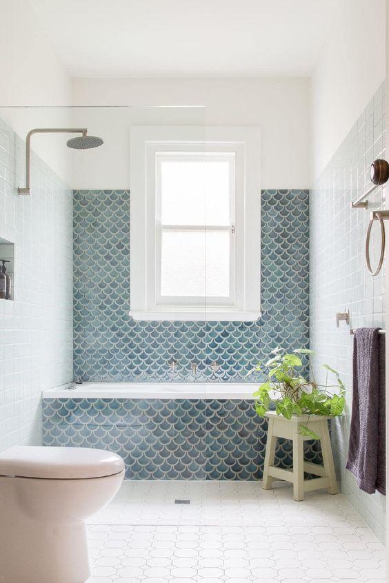 Bathroom Tile Ideas: Decorative Spot
