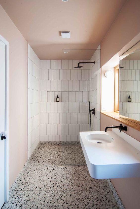 Bathroom Tile Ideas: Decorative Festive Tiles