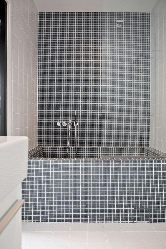 Bathroom Tile Ideas: Simple Gray Tiles
