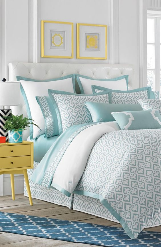 Beach Bedroom Ideas: Pop-Up Patterns and Color