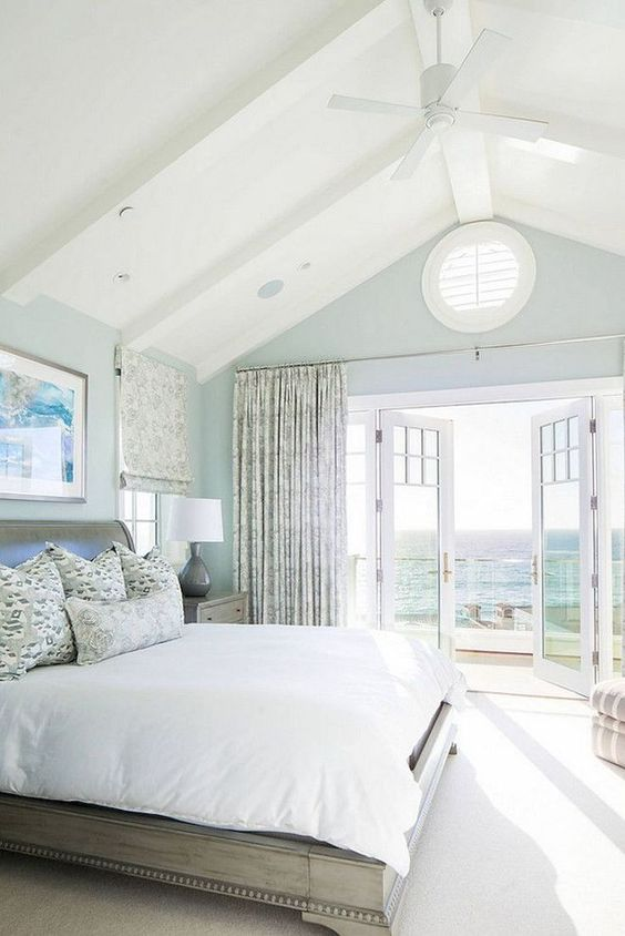 Beach Bedroom Ideas: Spacious and Airy