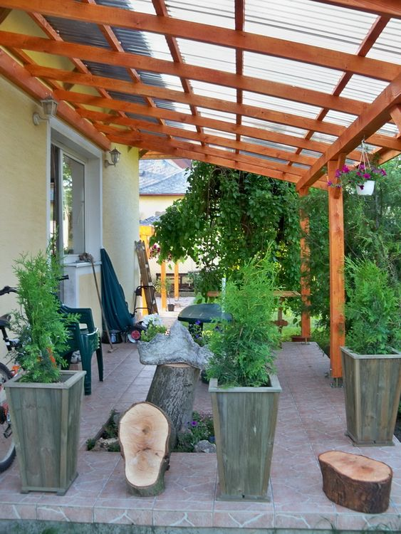 Covered Patio Ideas: Earthy Wooden Cover