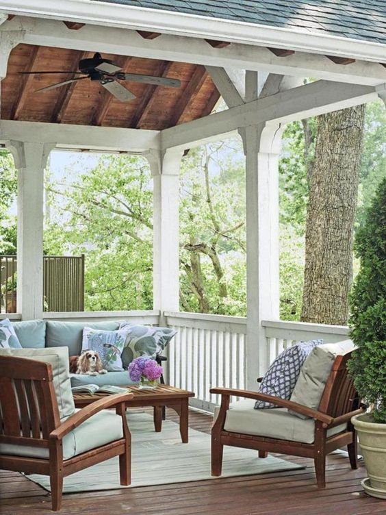 Covered Patio Ideas: Minimalist Shabby Chic