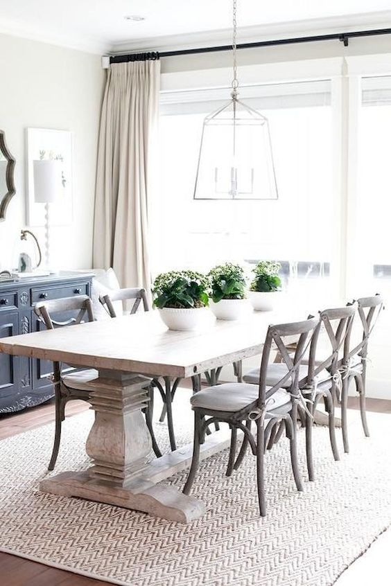 Dining Room Rug Ideas: Textured Farmhouse Rug