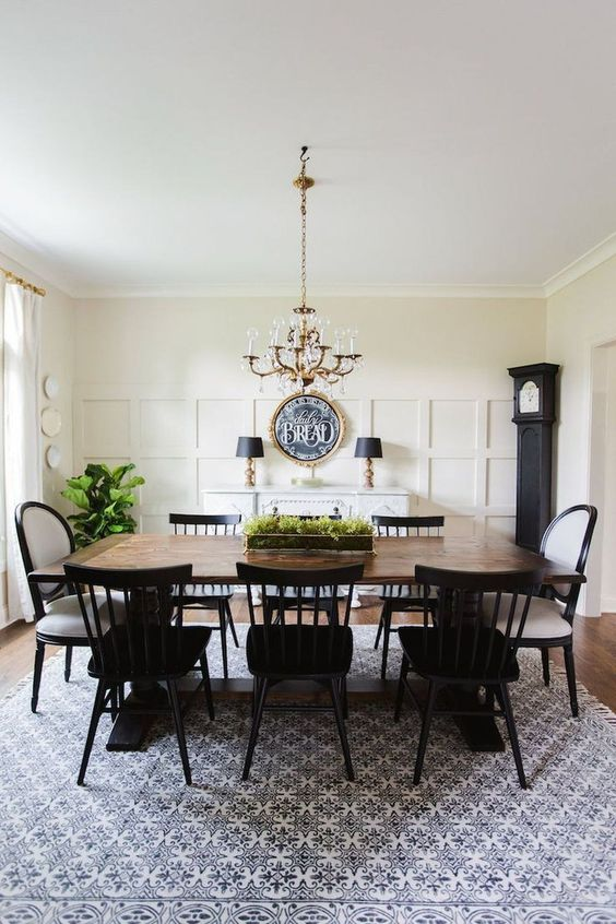 Dining Room Rug Ideas: Eye-Catching Rug