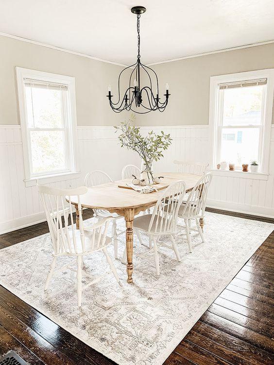 Dining Room Rug Ideas: Elegant Washed Rug