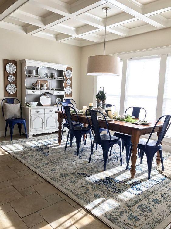 Dining Room Rug Ideas: Vintage Blue Rug