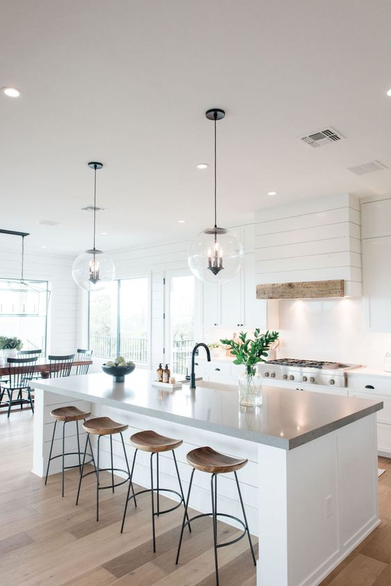 Kitchen Lighting Ideas: Stunning Transparent Pendant