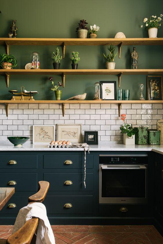Kitchen Shelves Ideas: Attractive Wall Decor