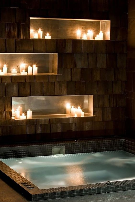 Romantic Hot Tub Ideas: Decorative Candles Decor