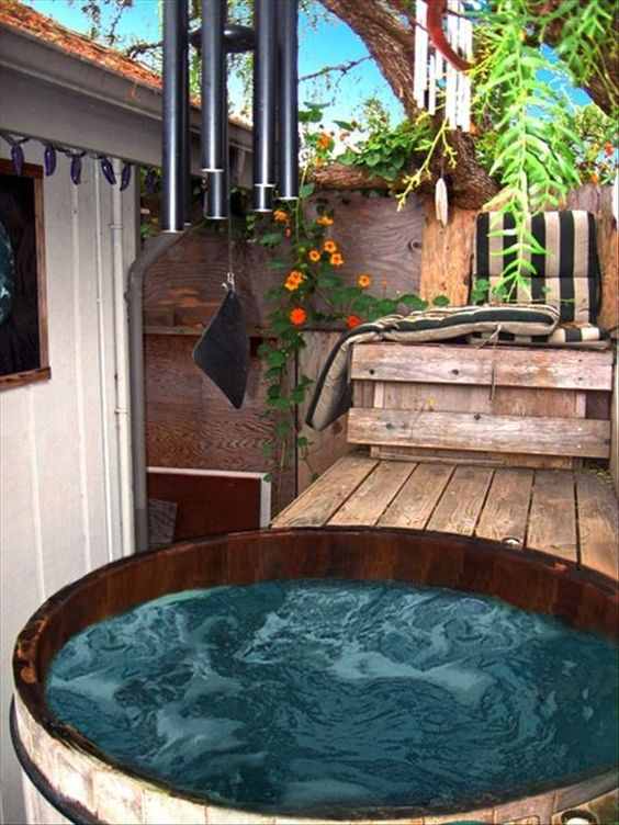 Romantic Hot Tub 10