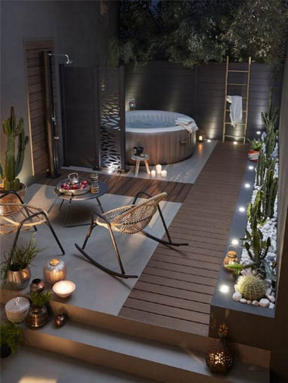 Romantic Hot Tub 4