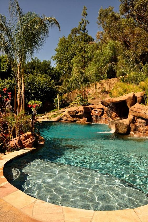 Swimming Pool Garden Ideas: Stunning Earthy Nuance