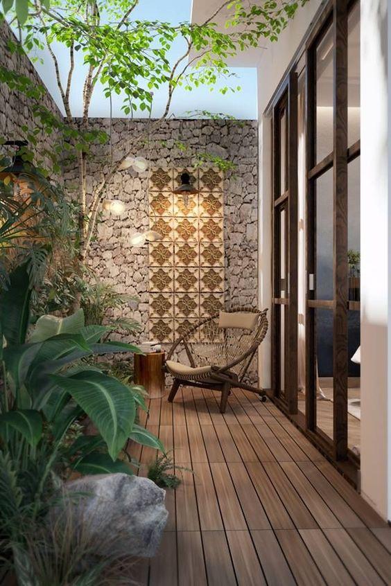 Wood Patio Ideas: Sleek Earthy Wood