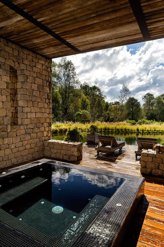 Backyard Hot Tub Ideas: Rustic Earthy Decor