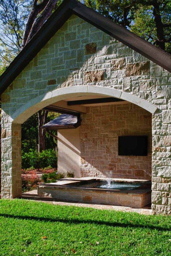 Backyard Hot Tub Ideas: Covered Hot Tub