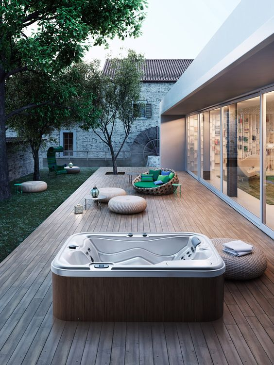 Backyard Hot Tub Ideas: Freestanding Modern Tub