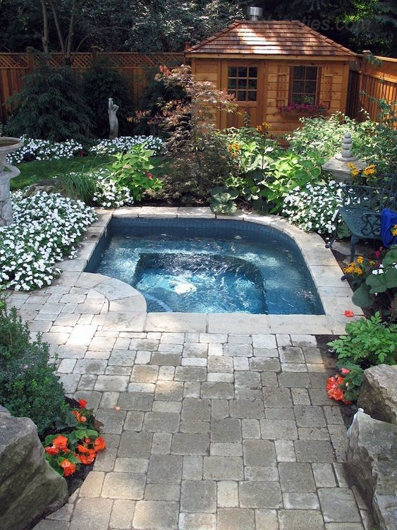 Backyard Hot Tub Ideas: Small Tub Garden